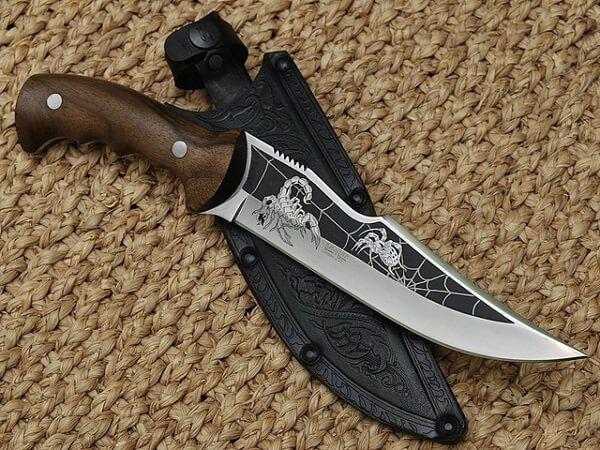 Гравировка охотничьего ножа