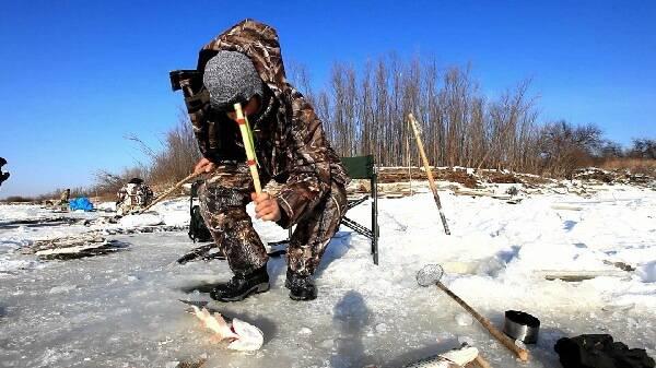 Ловля щуки на Амуре зимой