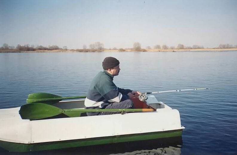 трехместная лодка для рыбалки