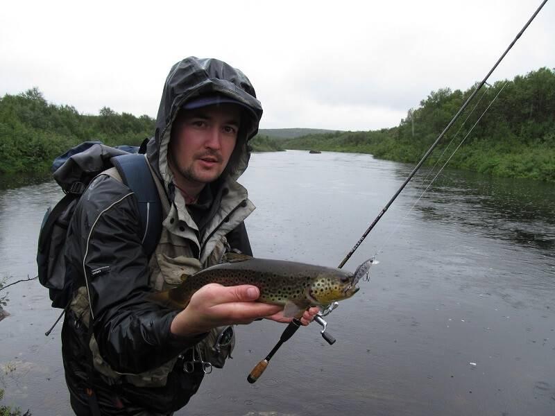 Ловля кумжи в реке