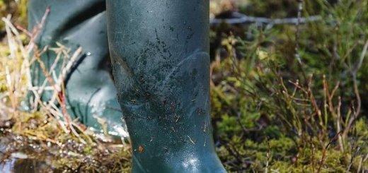 Чистка обуви рыболова