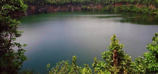 Равнинный ландшафт водоема