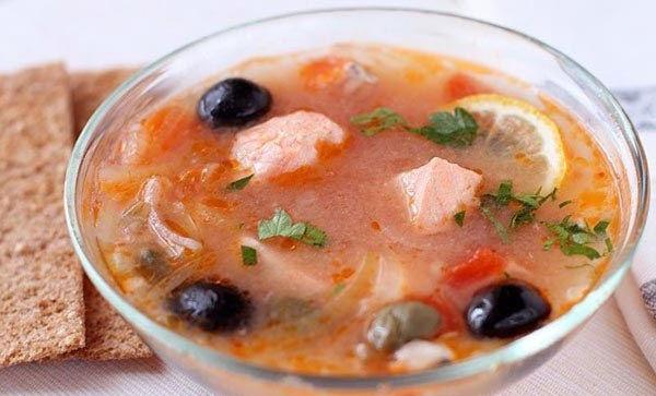 Солянка из лосося