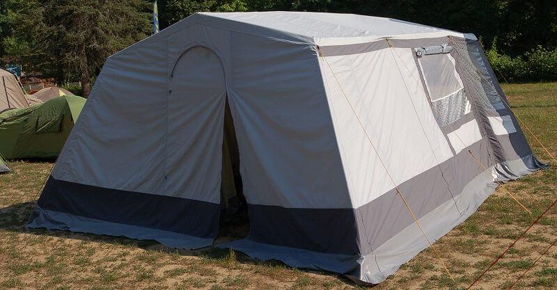 какая палатка лучше для летней рыбалки