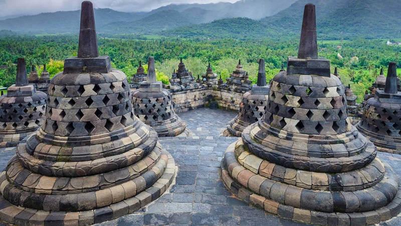 Про Индонезию