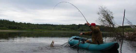 Видео ловли щуки с лодки