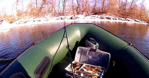 Ловля щуки зимой с лодки видео