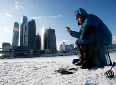Видео зимней рыбалке на Москве-реке