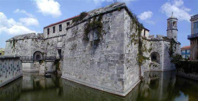 Замок Ла-Фуэрса
