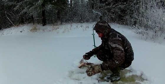 Зимняя рыбалка на реке Етыпур видео