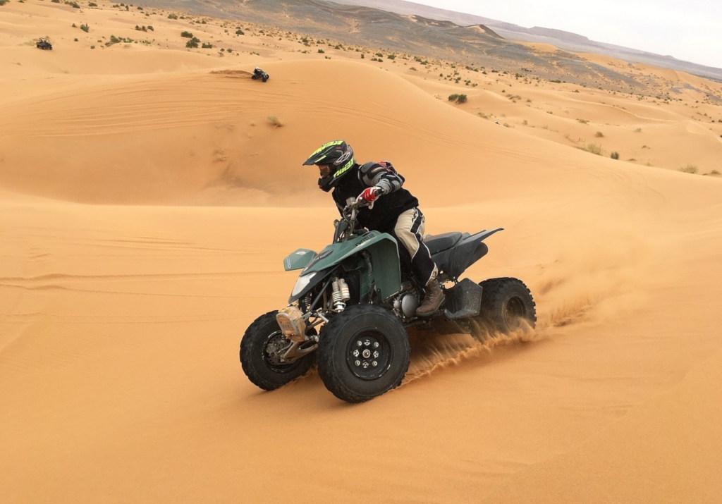 Катание на квадроцикле в Дубае