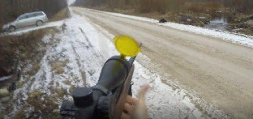 Бобер убегает от охотника видео