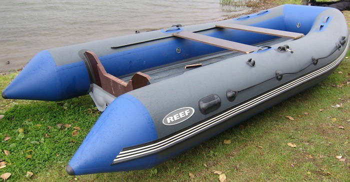 Лодка ПВХ REEF Тритон-390