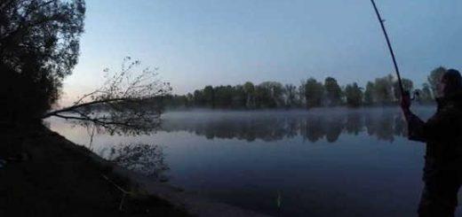 Рыбалка с ночёвкой в грозу видео