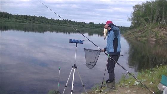 Рыбалка на фидер в августе
