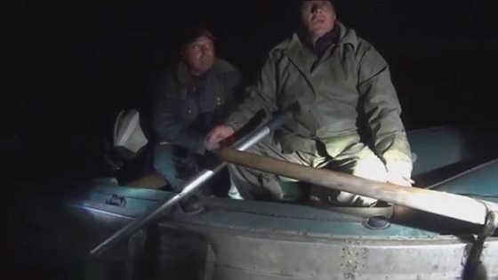 Браконьер поджог себя в лодке
