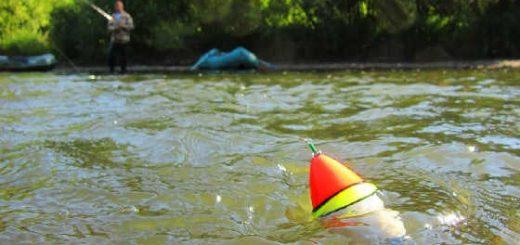 На поплавок по дикой реке