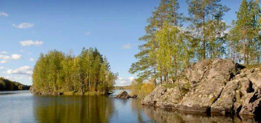 Отдых у озера в Карелии