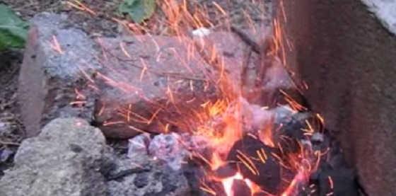 Способ розжига углей для шашлыка