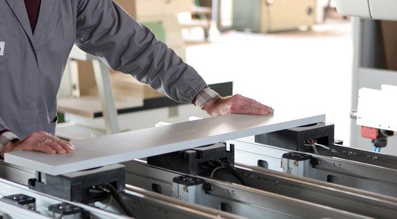 Распил мебельной плиты - необходимый процесс в изготовлении мебели