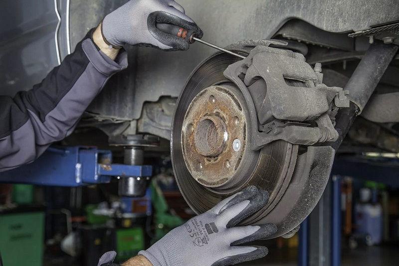 Обслуживание и ремонт тормозов автомобиля