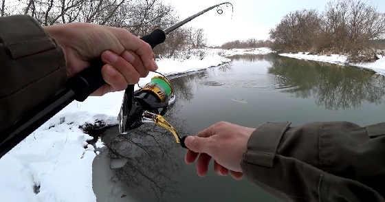 Рыбалка на спиннинг в маленькой речке