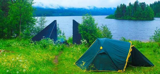 Летний отдых на озере с палаткой