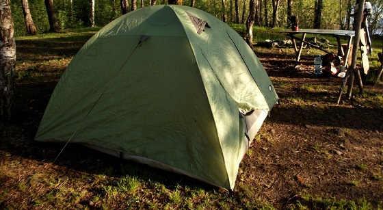 Ночевка в палатке из тента и парео