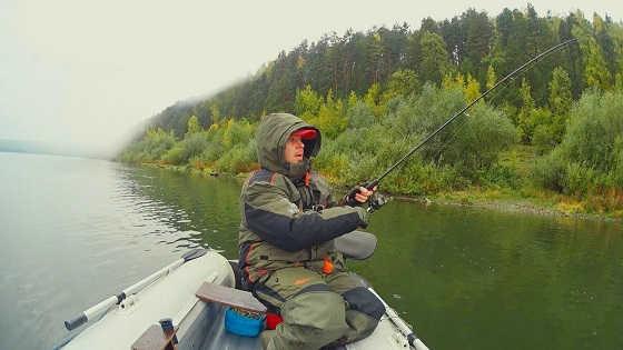 Рыбалка на Спиннинг в Дождь