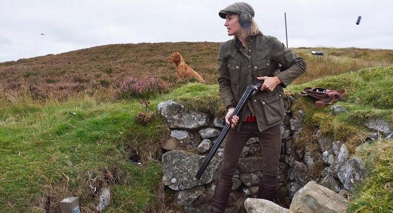 Женщина вышла на охоту