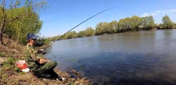 Рыбалка на Оке в дождь