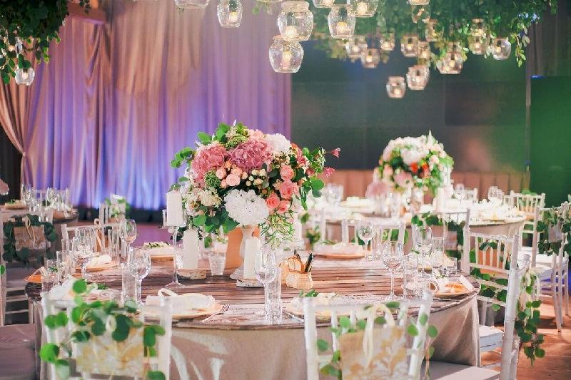 Оформление свадебных банкетов