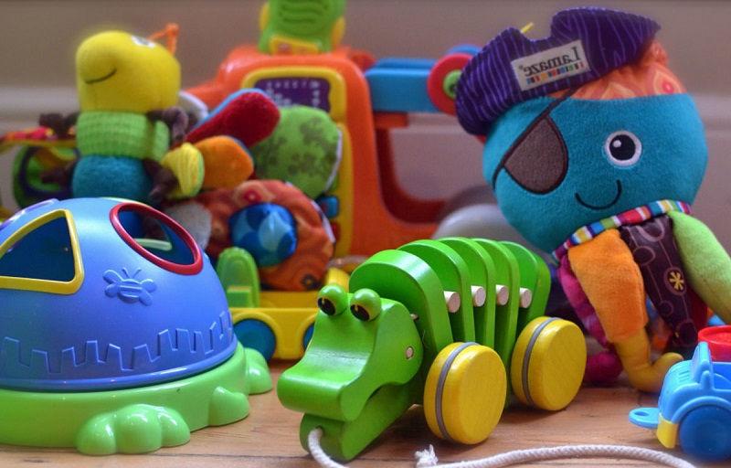 Как выбирать игрушки для детей
