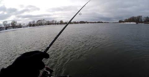 рыбалка в ближайшем Подмосковье в декабре с лодки