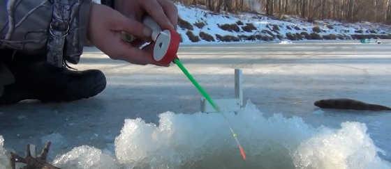 Рыбалка на мормышку по первому льду