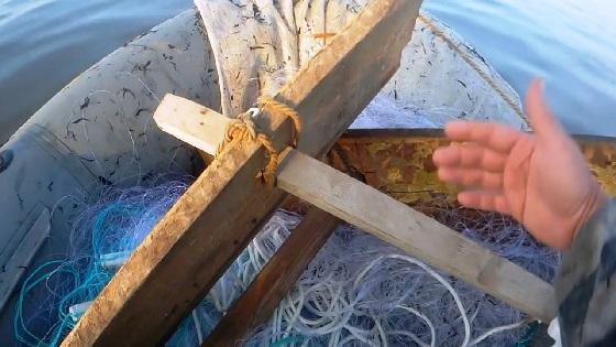 Рыбалка сплавной сетью с ДВУМЯ НАПЛАВАМИ