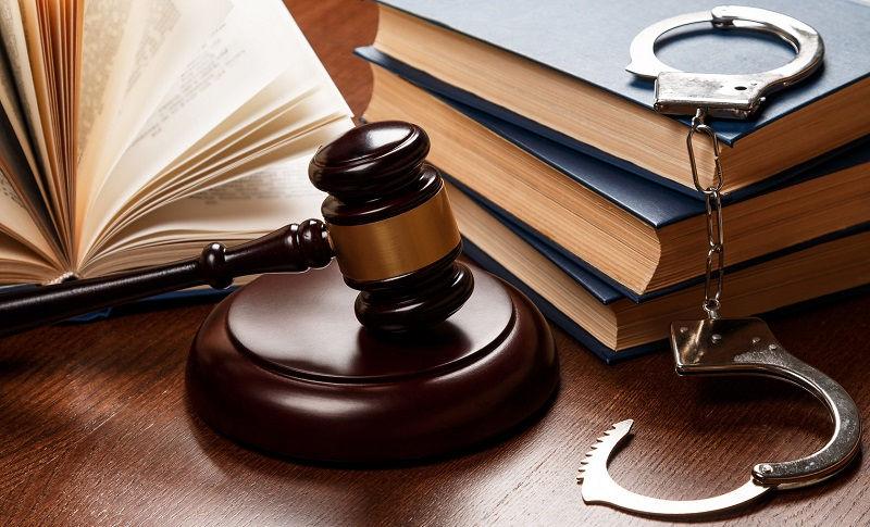 Если у вас проблемы с законом, то уголовный адвокат поможет вам