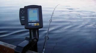 Нужен ли на рыбалке эхолот