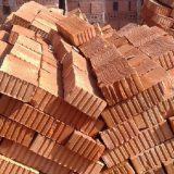 Кирпич на строительном рынке представлен в различном исполнении