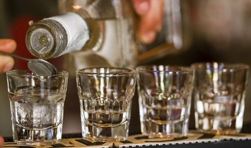 Употреблять алкоголь необходимо в меру