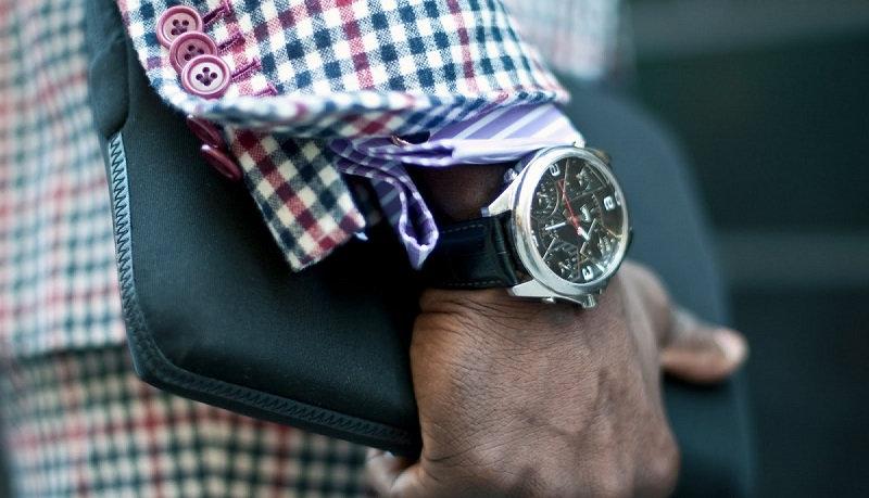 Как выбрать наручные часы в подарок мужчине?