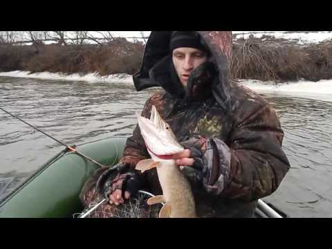 Ловля щуки в феврале с лодки