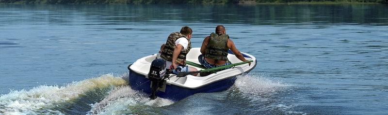 Лодка из стеклопластика для рыбалки