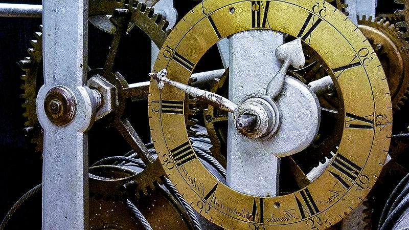 История развития часового механизма