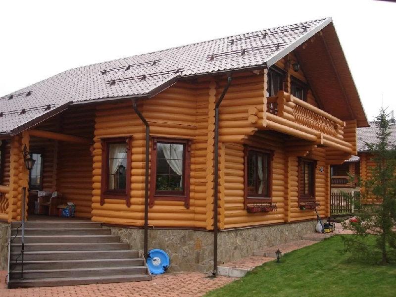 дом из оцилиндрованного бревна цену имеет невысокую