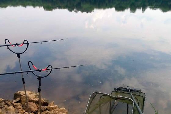 Фидерная рыбалка на сильном течении