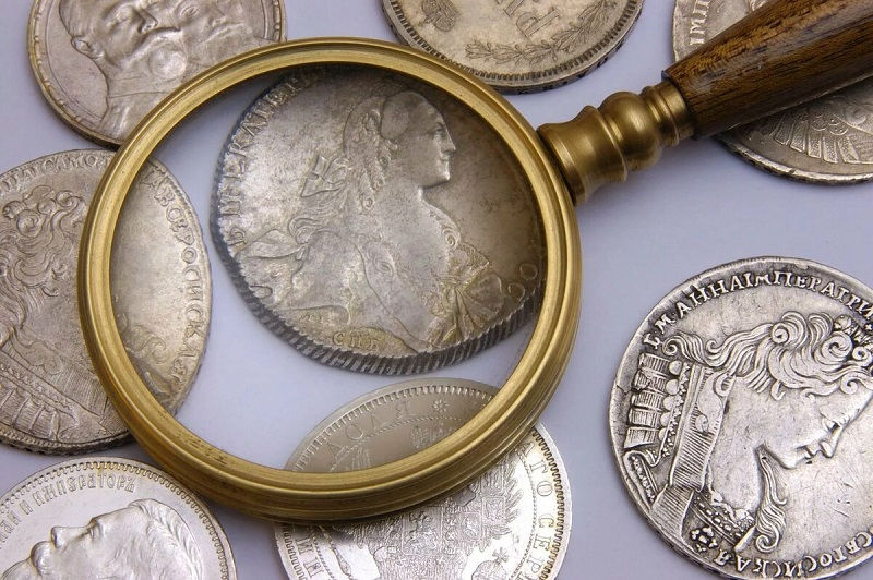 Коллекционные монеты и банкноты