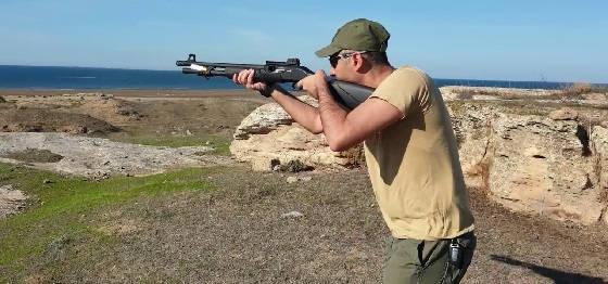урок по стрельбе из помпового ружья