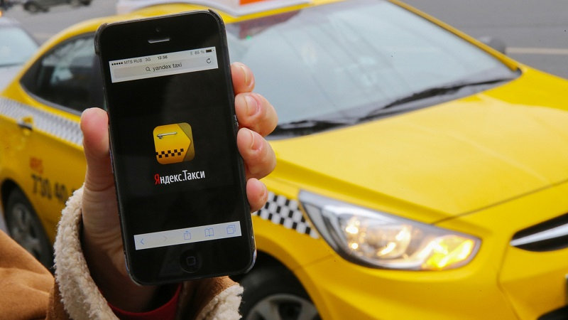 работать водителем в Яндекс Такси удобно