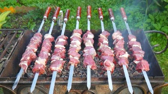 ШАШЛЫК из БАРАНИНЫ: Как разделать, как замариновать и приготовить мясо правильно